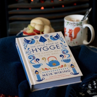 the-little-book-of-hygge-penguin-hot-chocolate-lisa-hjalt-02